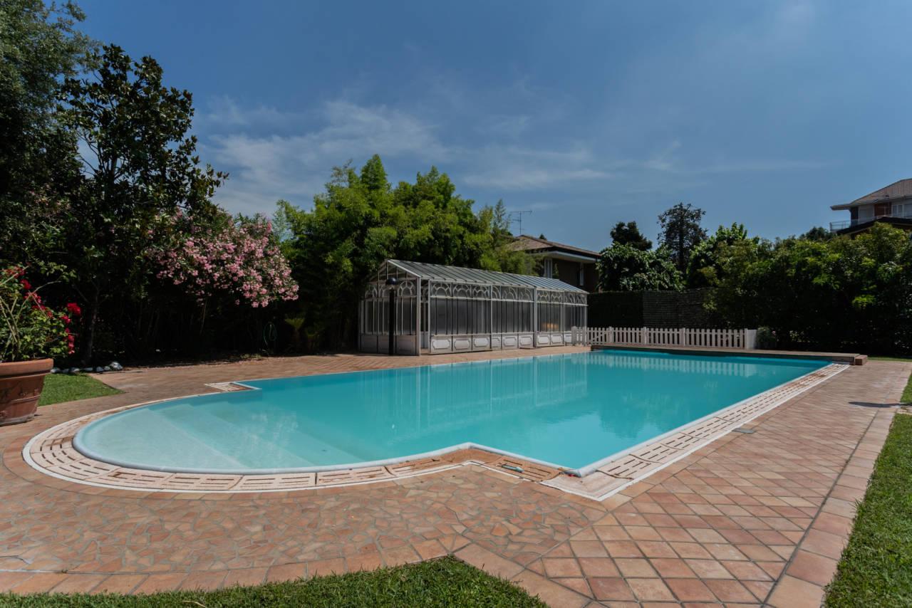 Villa con piscina in vendita a Rozzano (29)