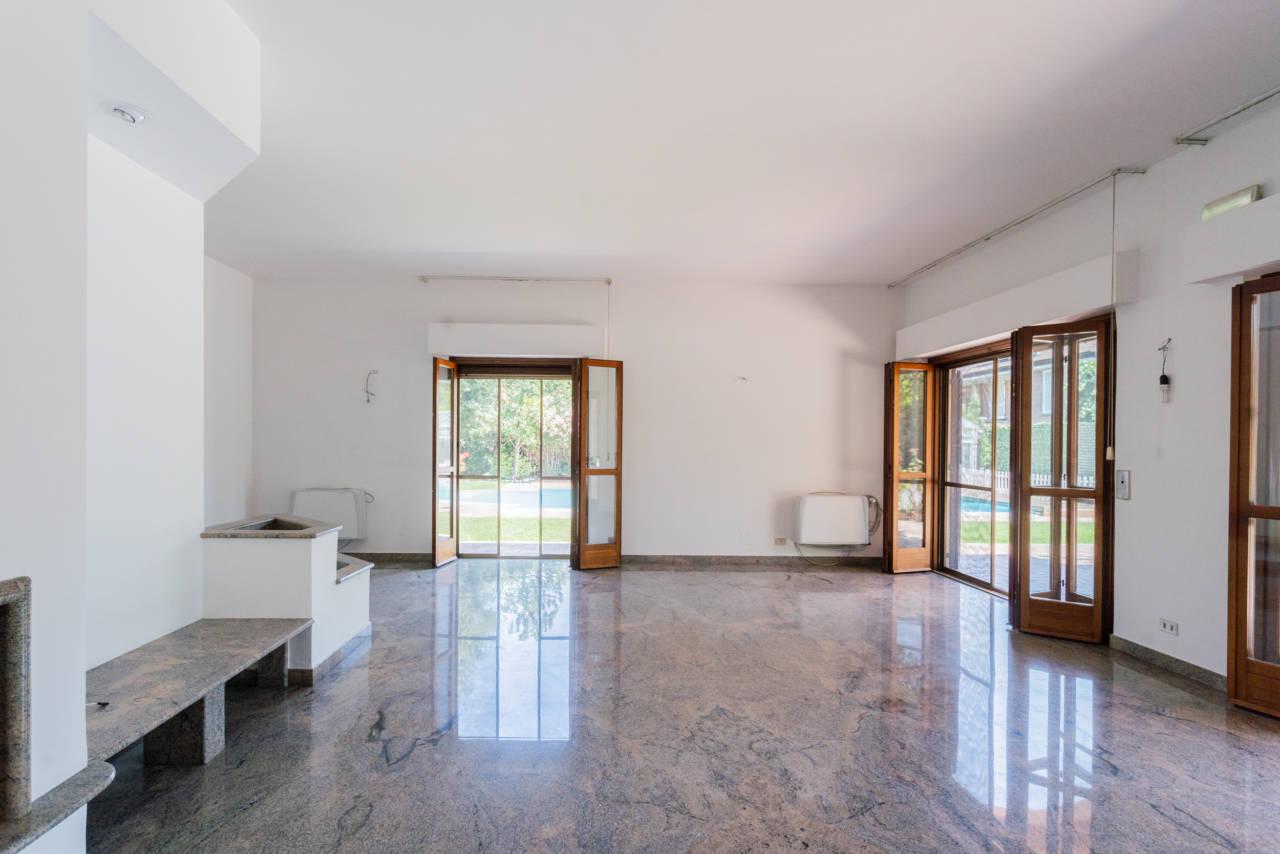 Villa con piscina in vendita a Rozzano (42)