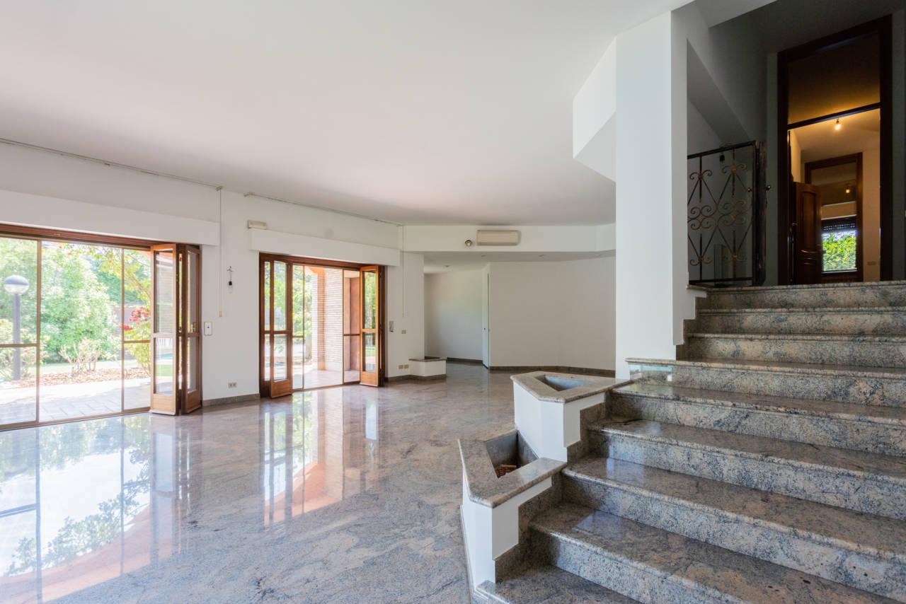 Villa con piscina in vendita a Rozzano (43)