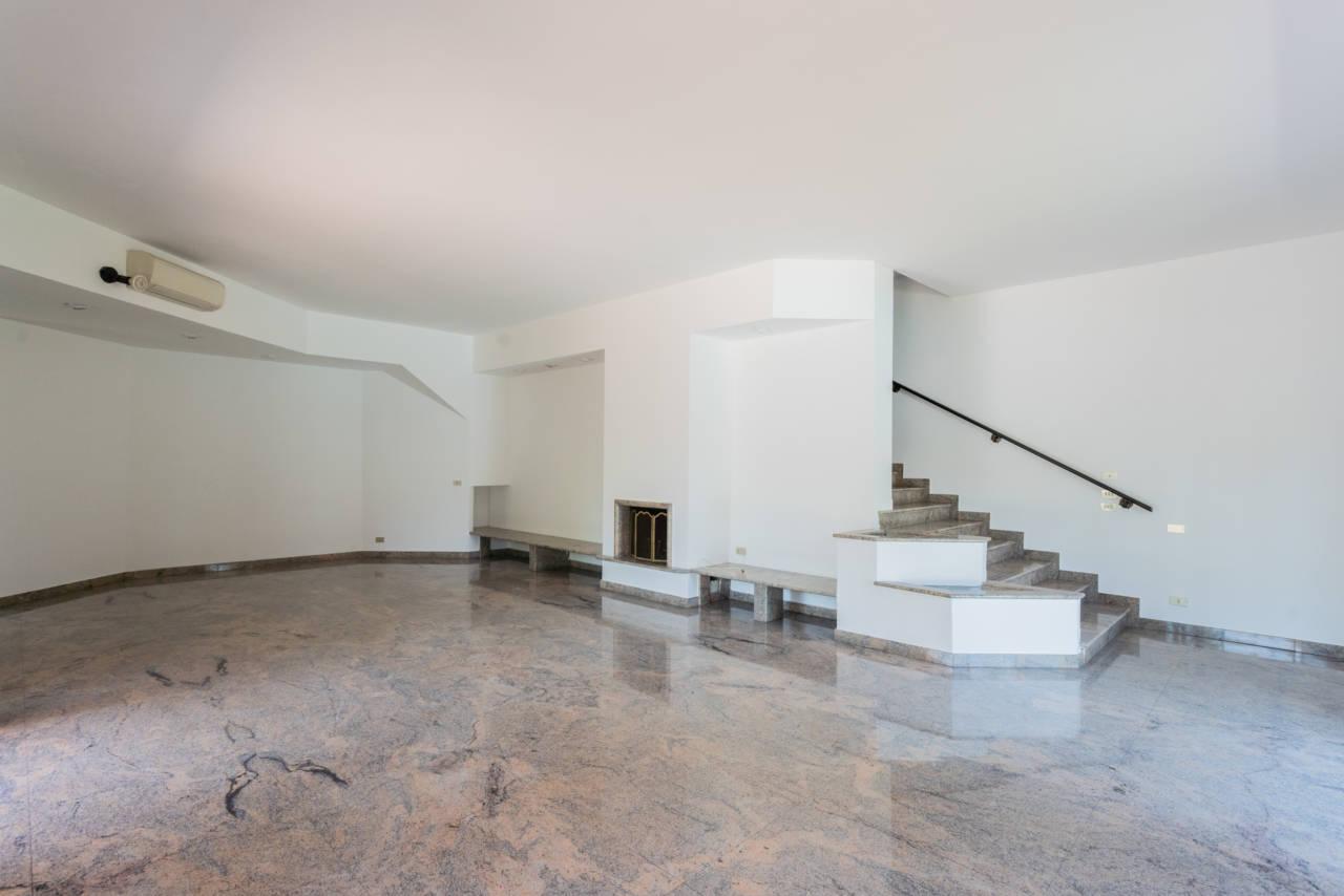 Villa con piscina in vendita a Rozzano (44)