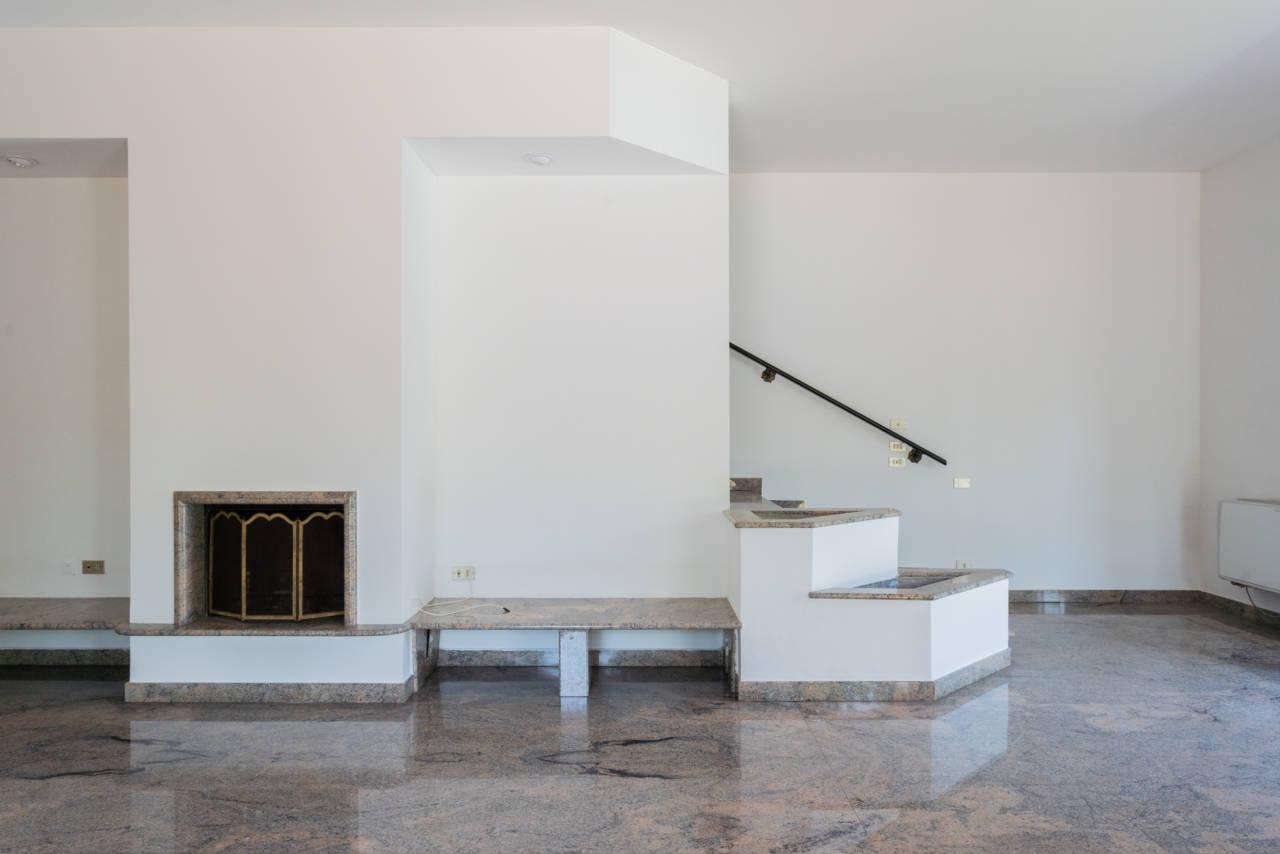 Villa con piscina in vendita a Rozzano (47)
