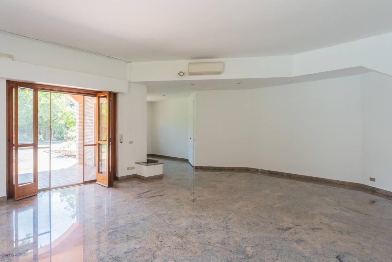 Villa con piscina in vendita a Rozzano (49)