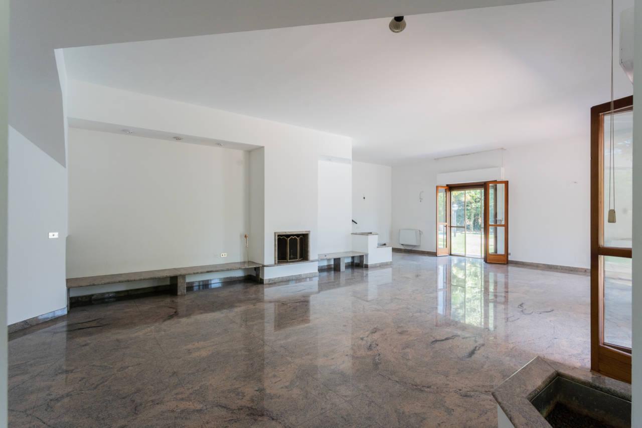 Villa con piscina in vendita a Rozzano (50)