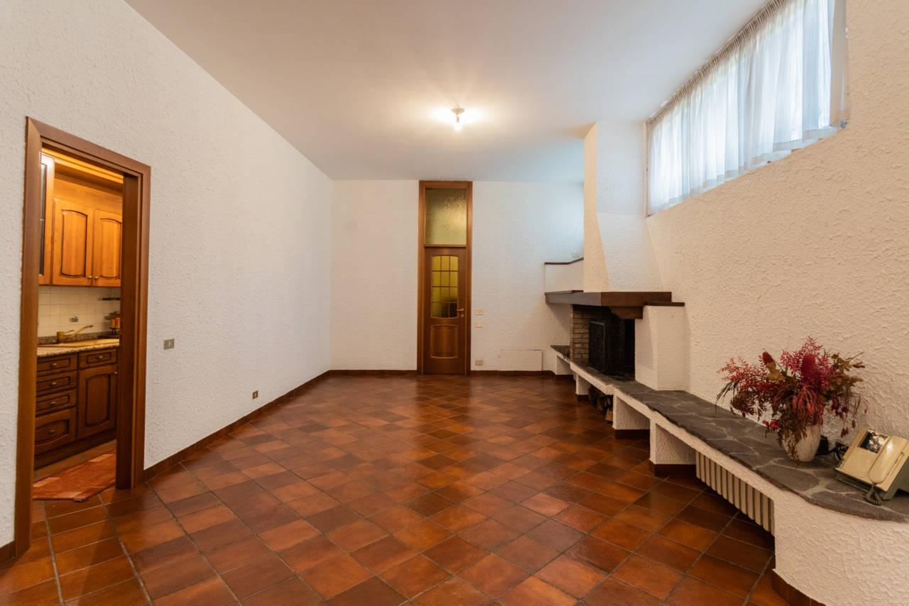 Villa con piscina in vendita a Rozzano (9)