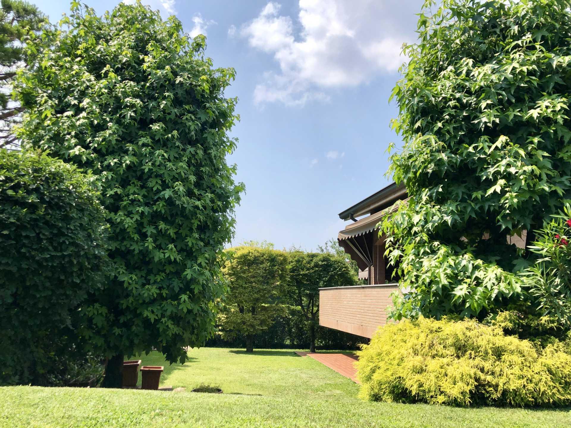 Villa-singola-in vendita-a-Bernareggio (10)