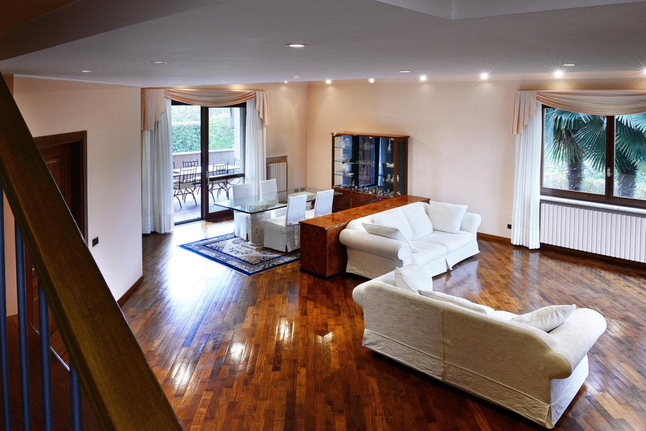 Villa-singola-in vendita-a-Bernareggio (12)