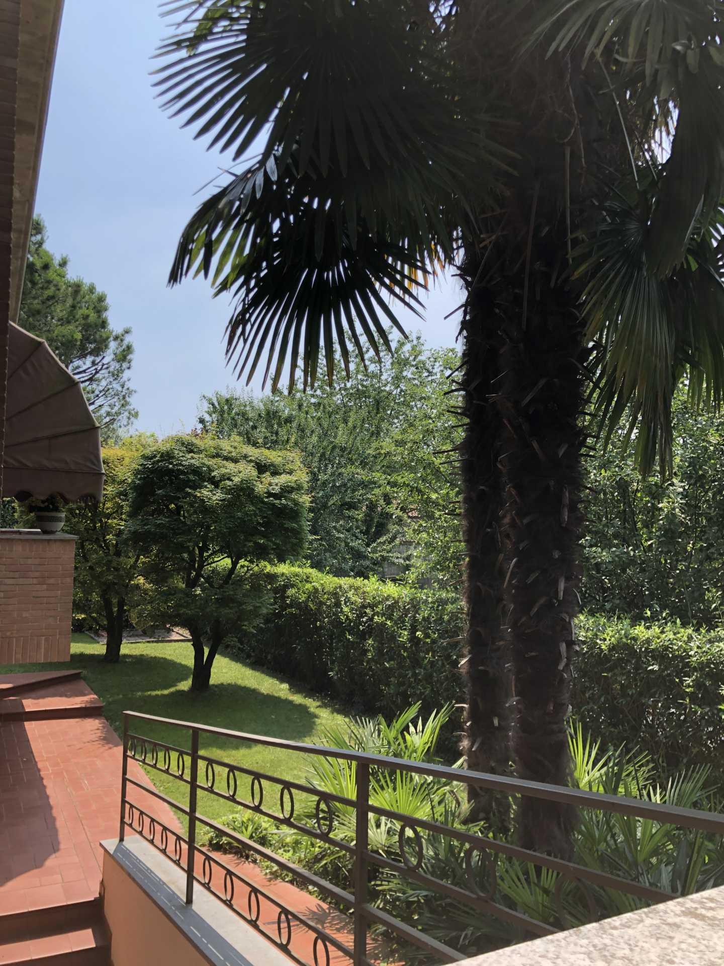 Villa-singola-in vendita-a-Bernareggio (2)