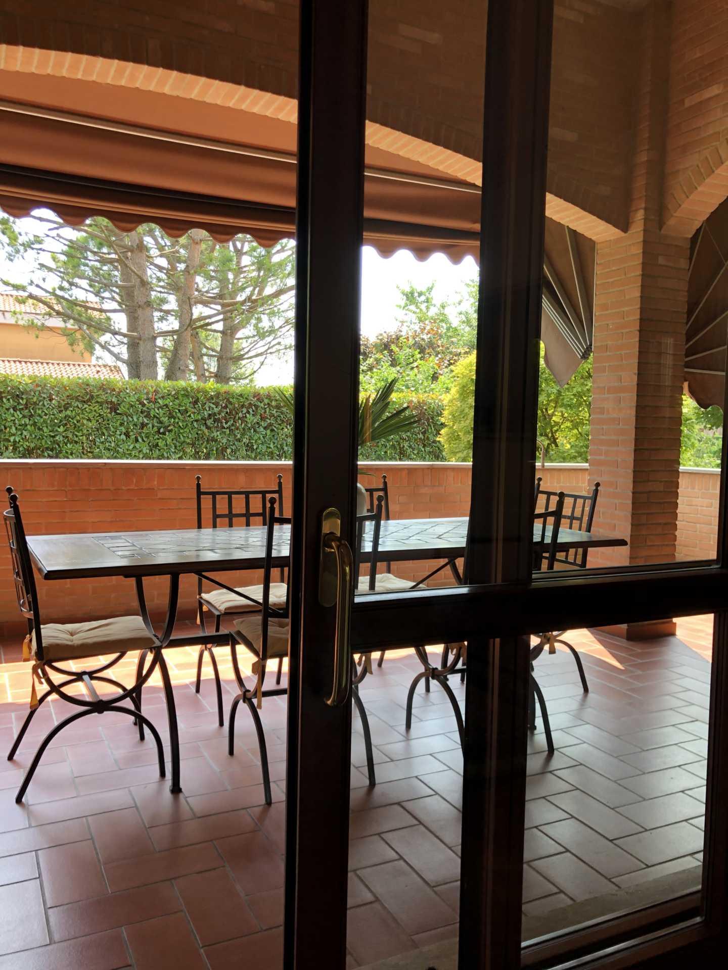 Villa-singola-in vendita-a-Bernareggio (9)