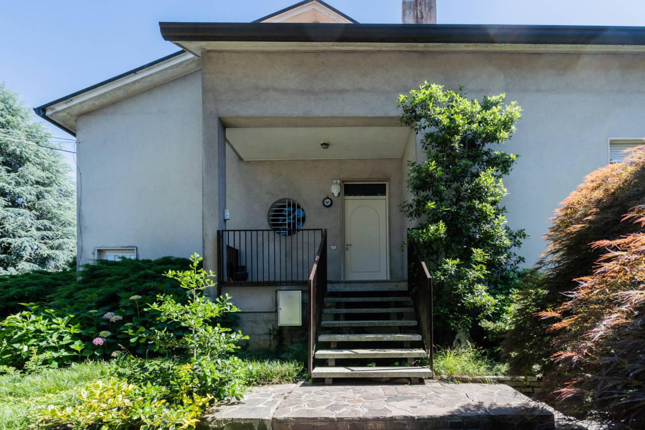 villa-singola-in-vendita-a-Casatenovo (10)
