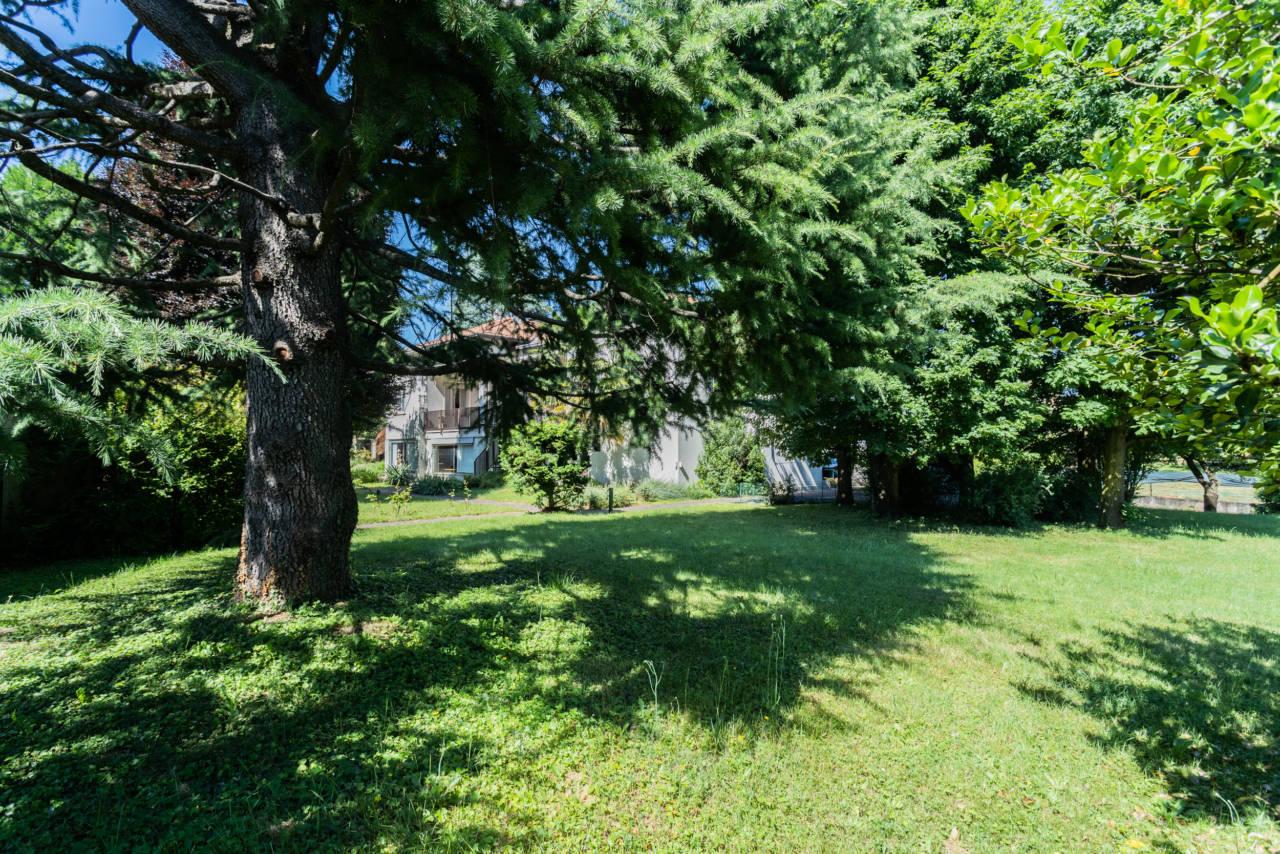 villa-singola-in-vendita-a-Casatenovo (2)