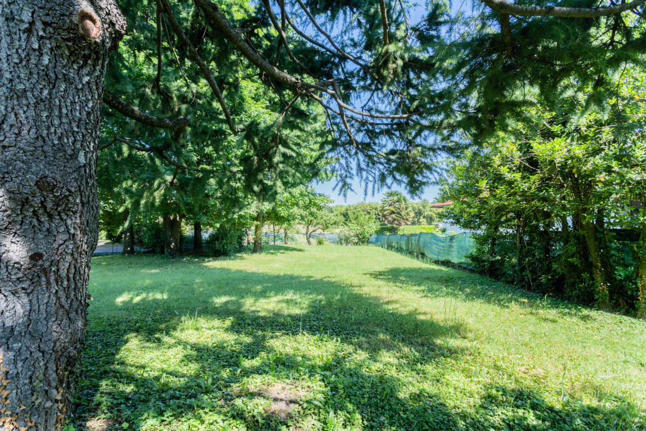 villa-singola-in-vendita-a-Casatenovo (3)