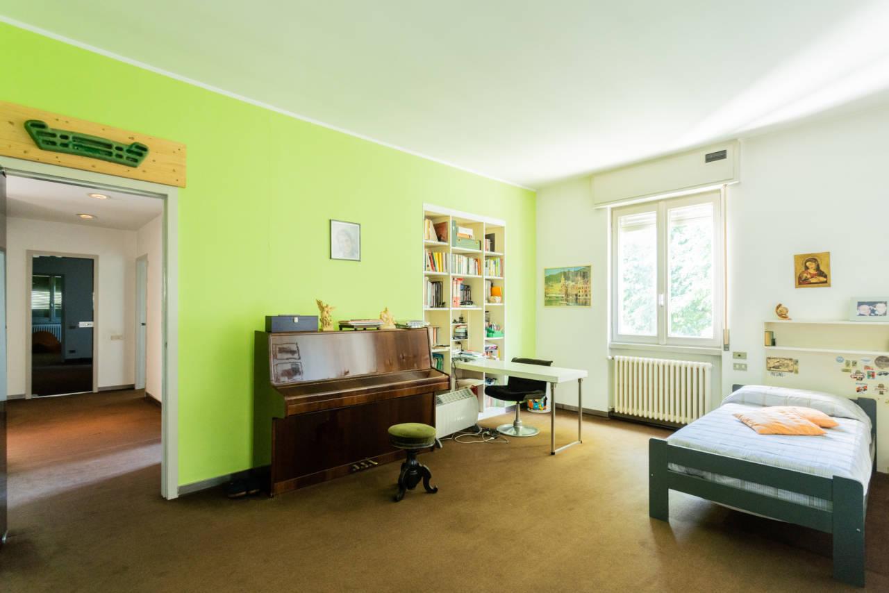 villa-singola-in-vendita-a-Casatenovo (33)