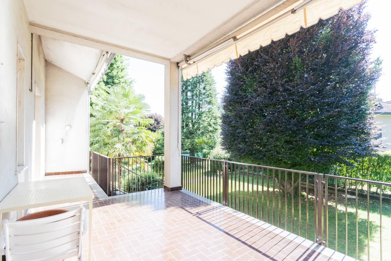 villa-singola-in-vendita-a-Casatenovo (34)