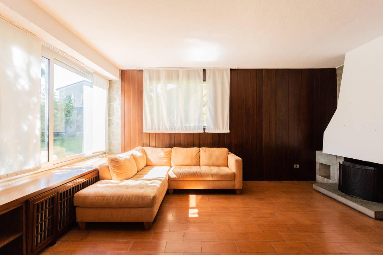 villa-singola-in-vendita-a-Casatenovo (36)
