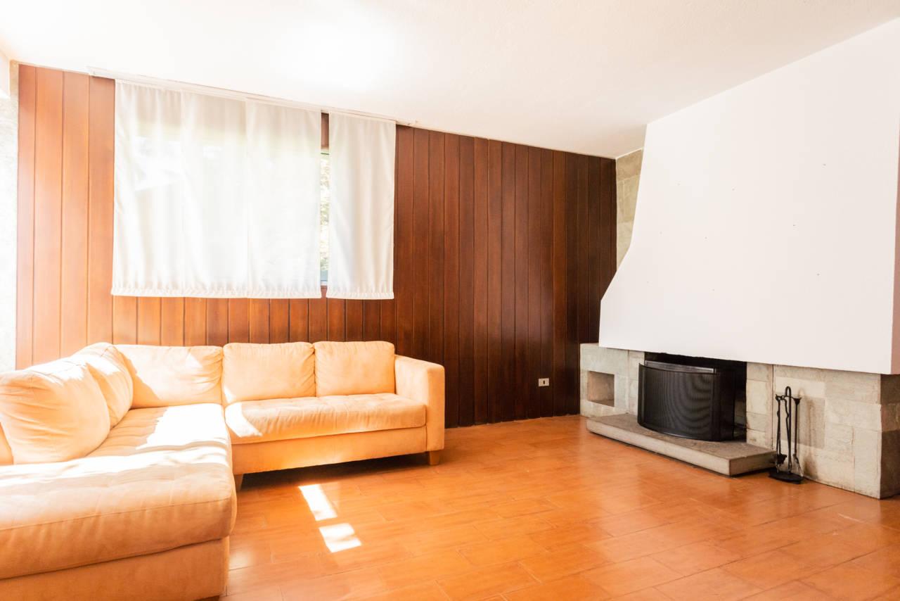 villa-singola-in-vendita-a-Casatenovo (39)