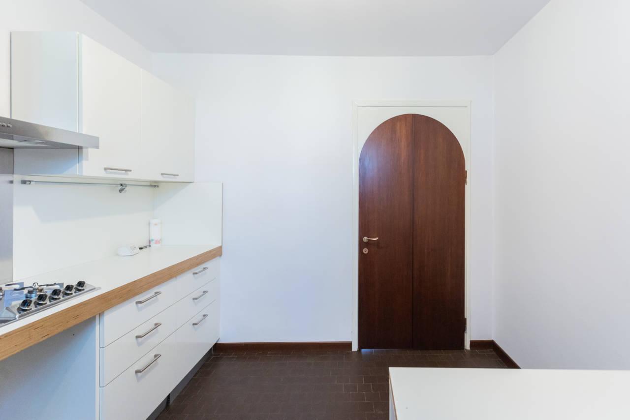 villa-singola-in-vendita-a-Casatenovo (42)
