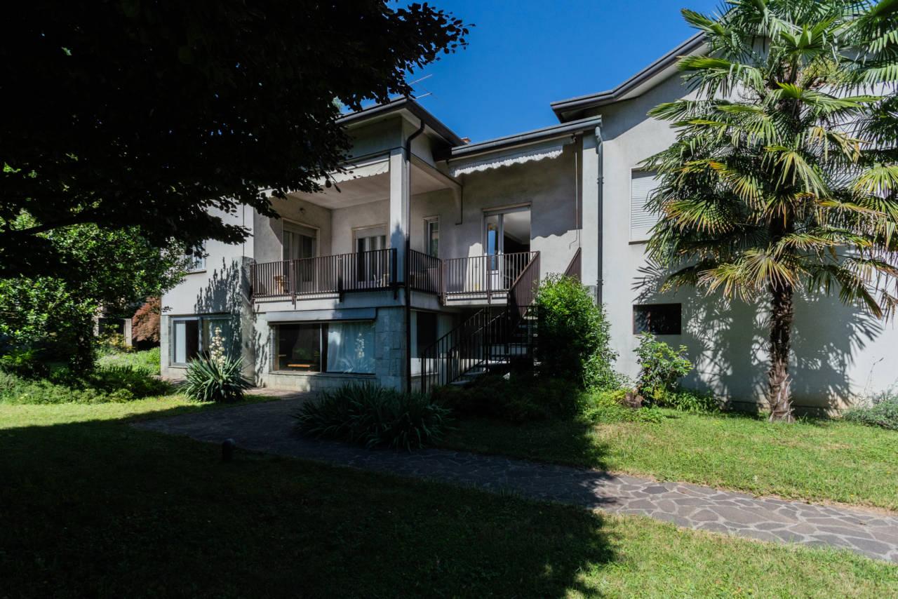 villa-singola-in-vendita-a-Casatenovo (7)
