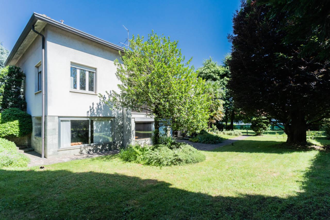 villa-singola-in-vendita-a-Casatenovo (9)