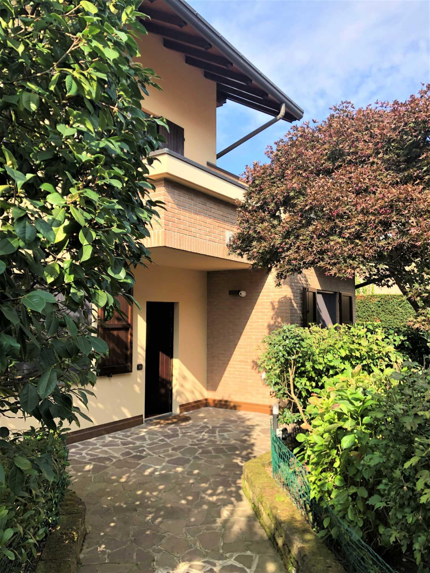 villa-in-vendita a-Vimercate-Oreno
