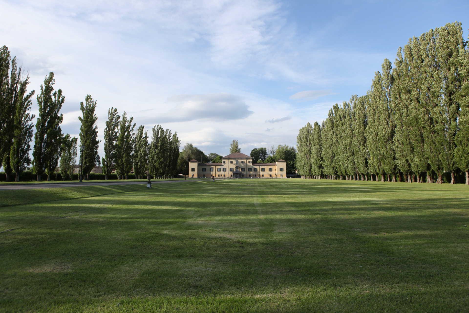 villa-d-epoca-in-vendita-a-Reggiolo-Emilia-Romagna