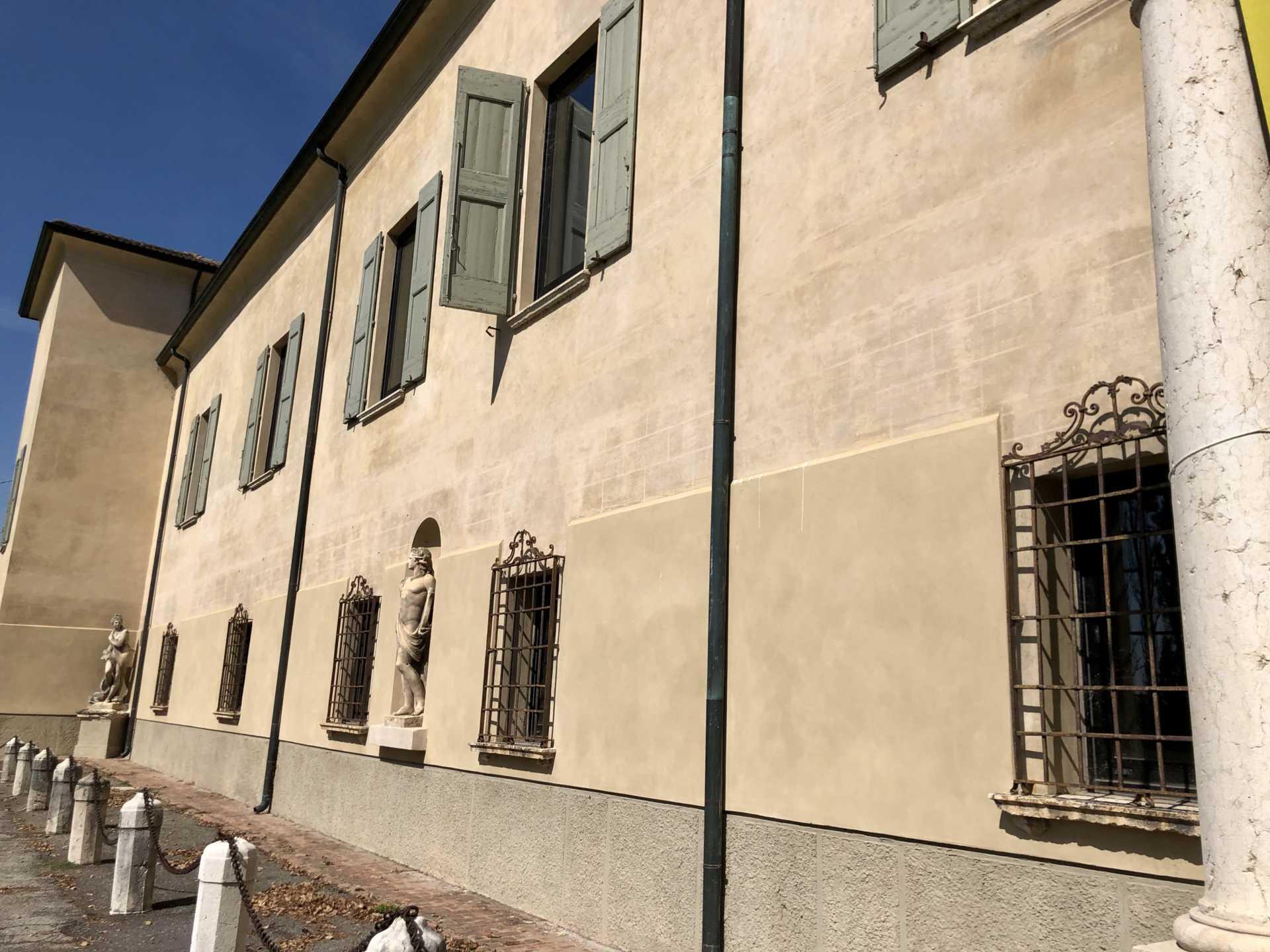 Ville, case palassi e appartamenti d'epoca a Milano, Brianza, Lombardia e in Italia