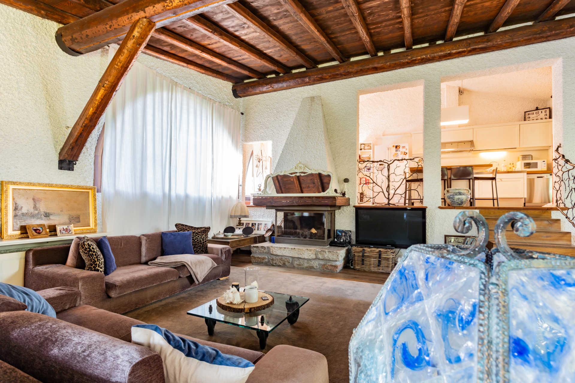 villa-con-capannoni-vendita-cabiate (15)