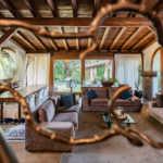 Villa con capannoni in vendita a Cabiate