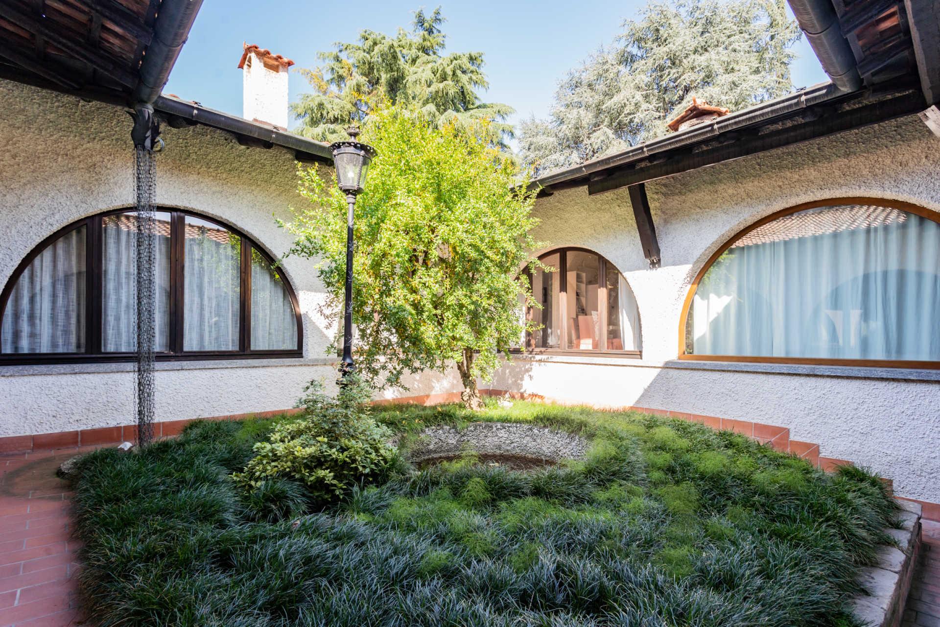 villa-con-capannoni-vendita-cabiate (47)