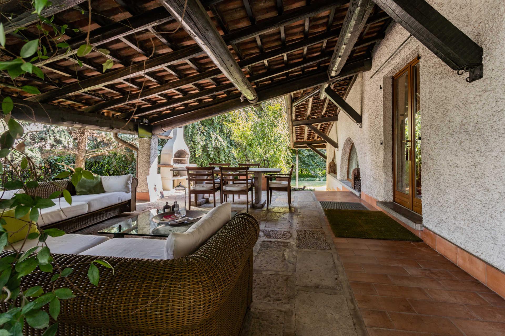villa-con-capannoni-vendita-cabiate (52)