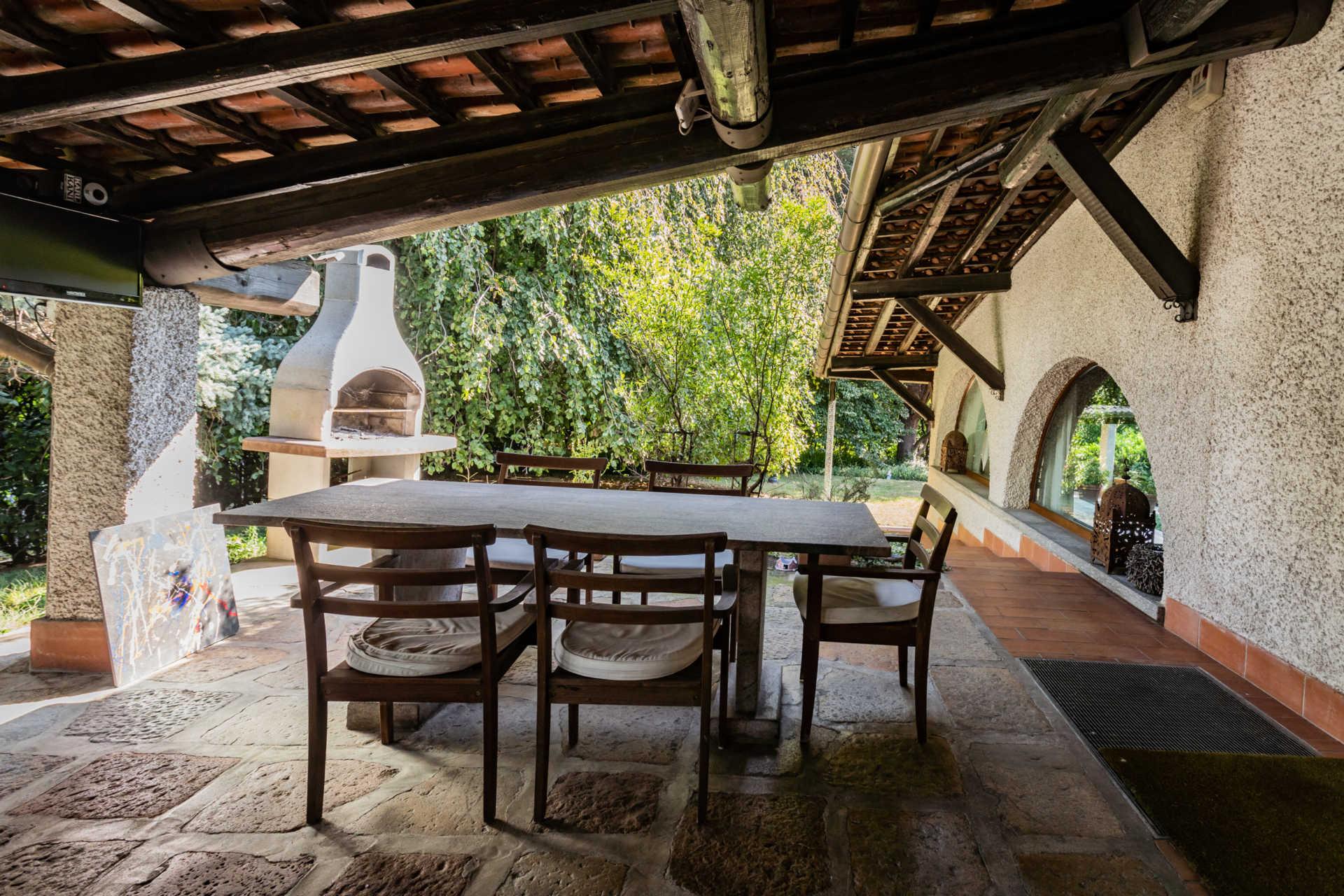 villa-con-capannoni-vendita-cabiate (55)