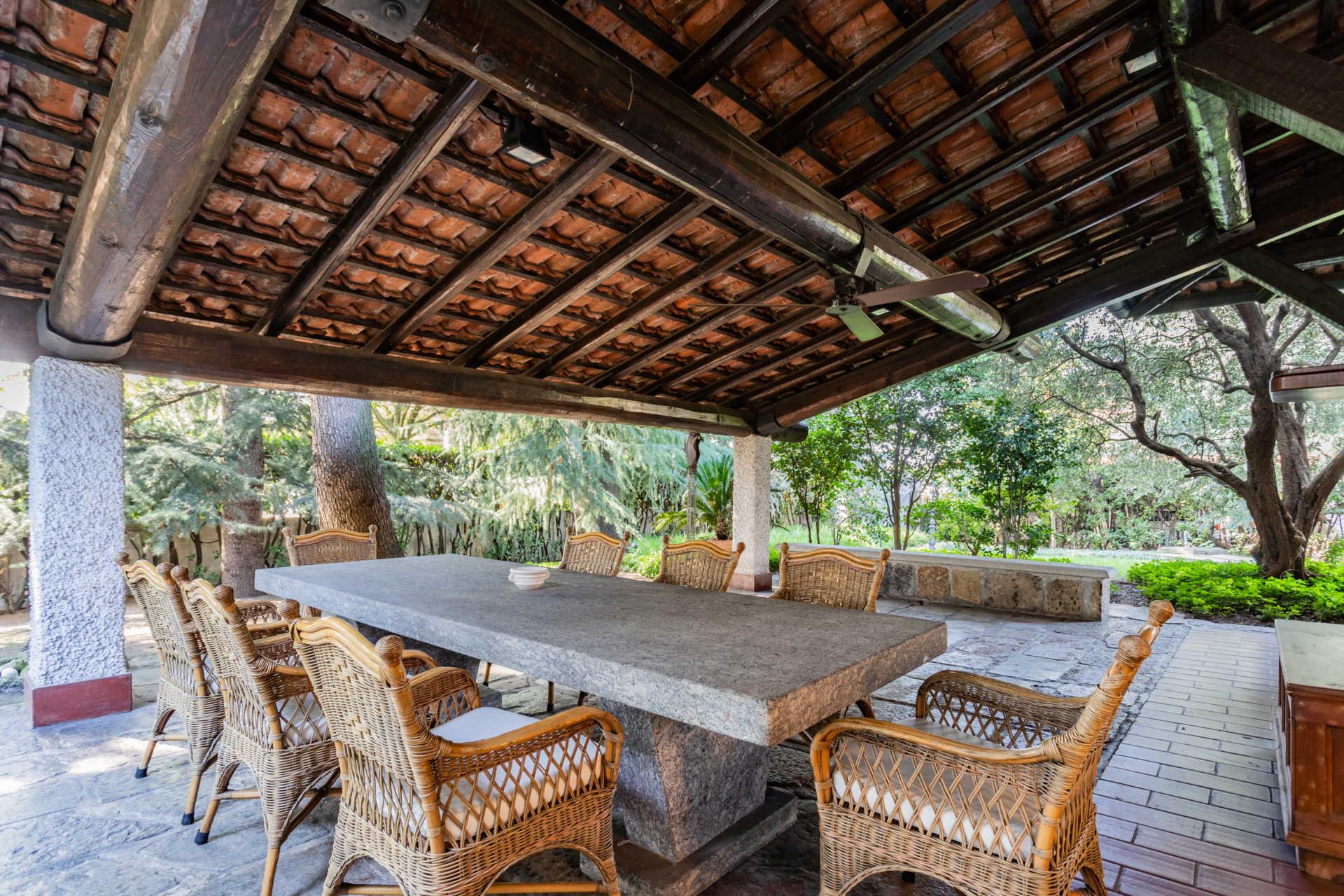 villa-con-capannoni-vendita-cabiate (82)