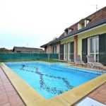 Cavenago di Brianza villa con piscina in vendita