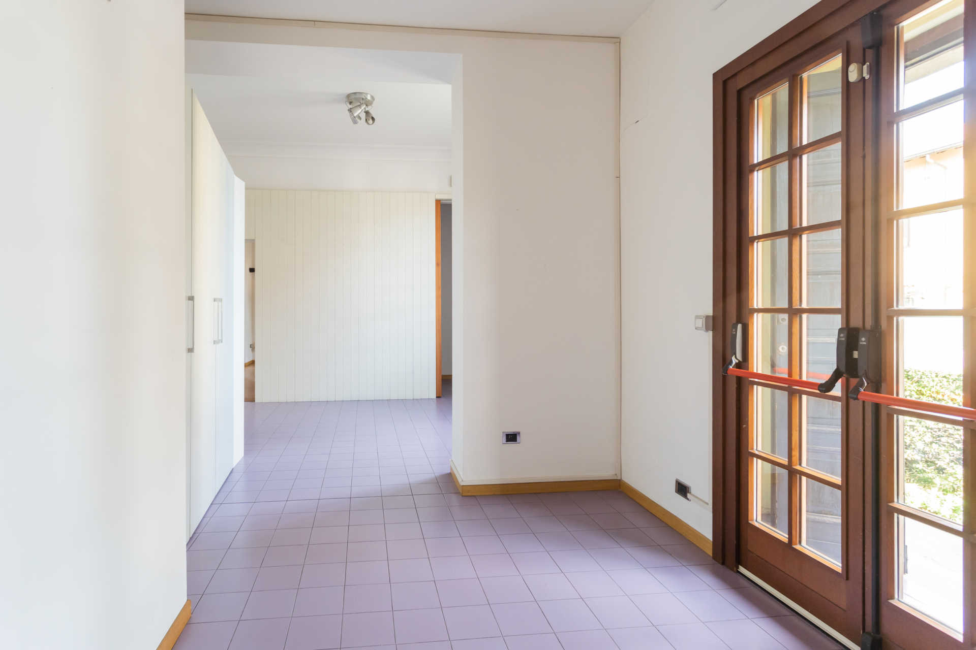 Casatenovo-vendita-Palazzina-con-terreno (11)