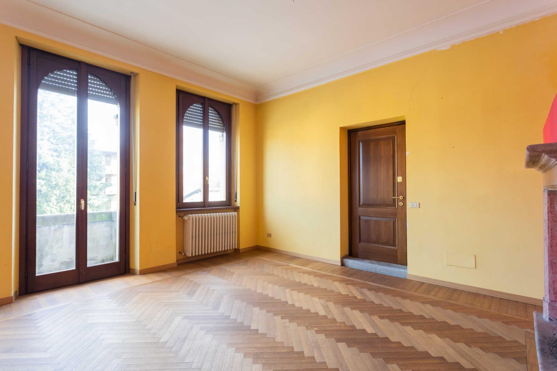 Casatenovo-vendita-Palazzina-con-terreno (23)
