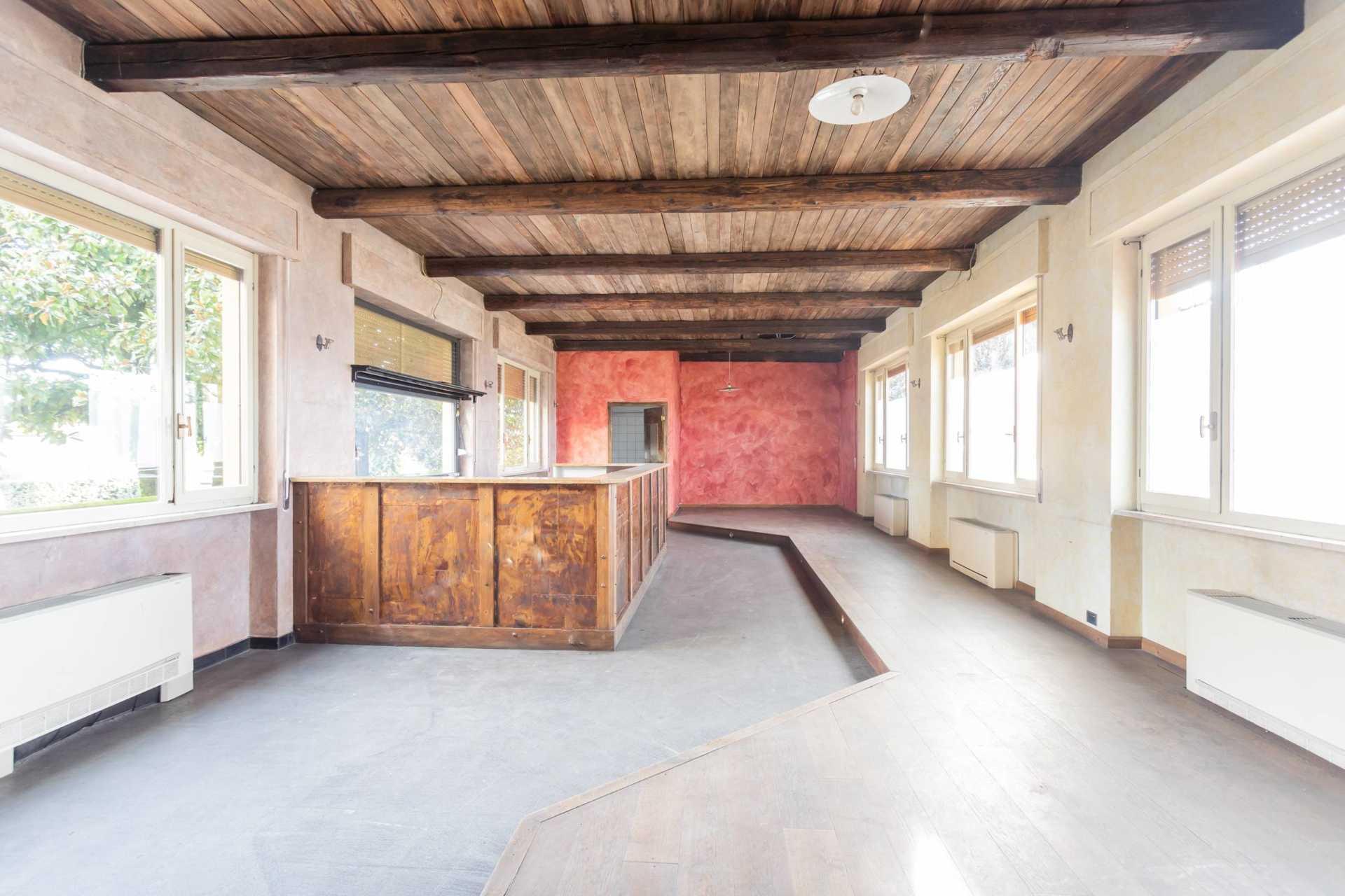 Casatenovo-vendita-Palazzina-con-terreno (28)