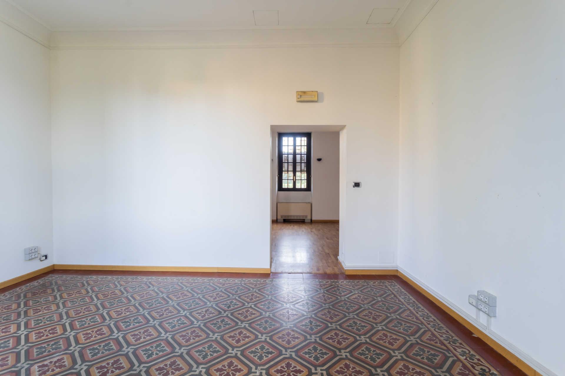 Casatenovo-vendita-Palazzina-con-terreno (5)
