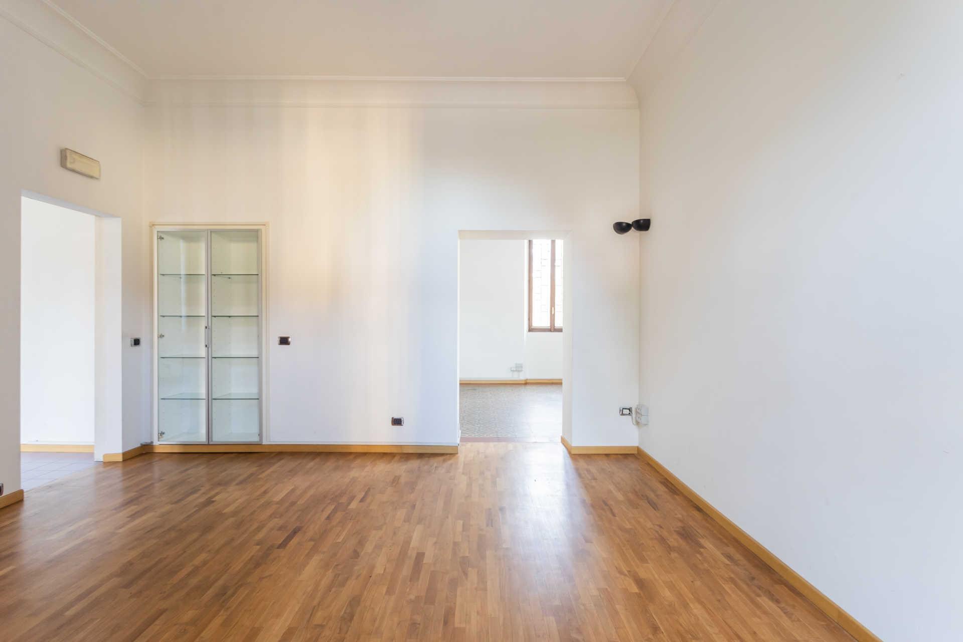Casatenovo-vendita-Palazzina-con-terreno (7)