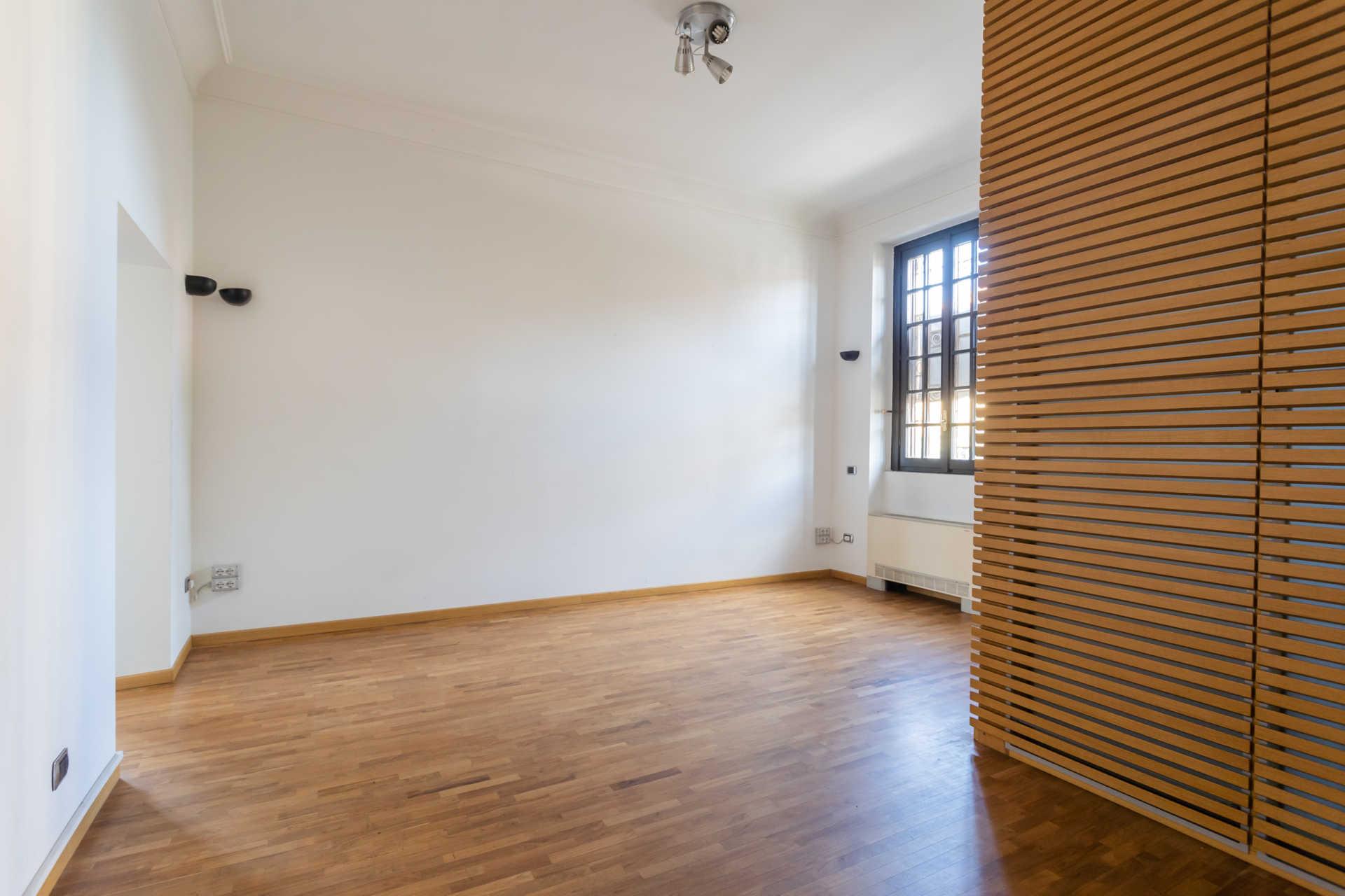 Casatenovo-vendita-Palazzina-con-terreno (9)