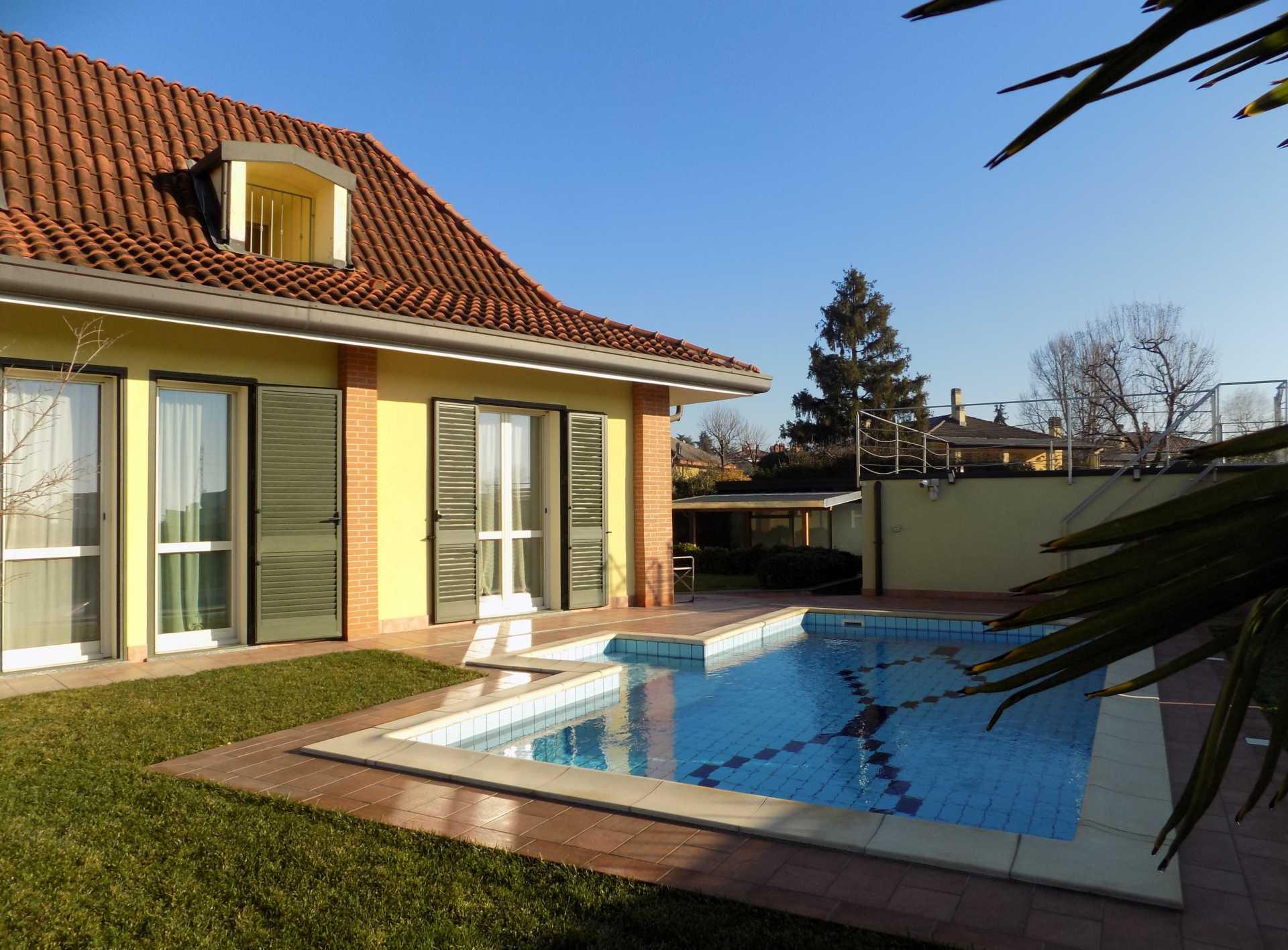 Cavenago di Brianza villa con piscina in vendita (5)
