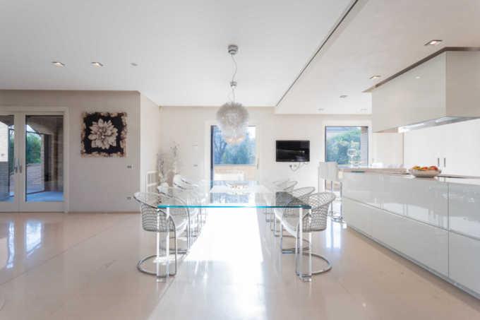 Villa-con-piscina-in-vendita-a-Mezzago