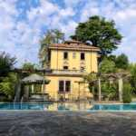 Villa d'epoca con piscina in vendita a Merate