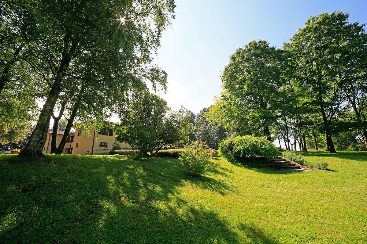 Casatenovo-villa-con-parco-in-vendita (26)