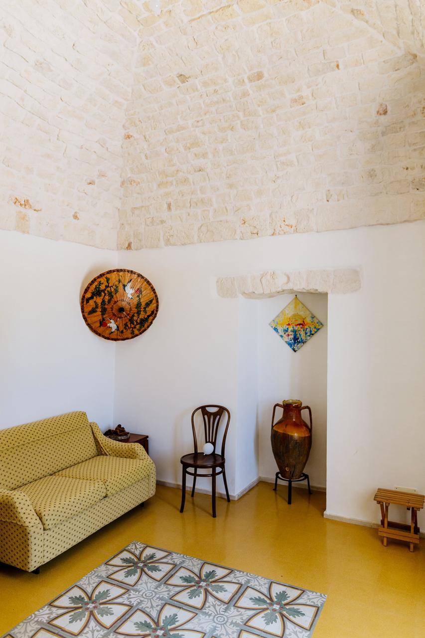 Puglia-vendita-Villa-con-Trullo-e-piscina (12)