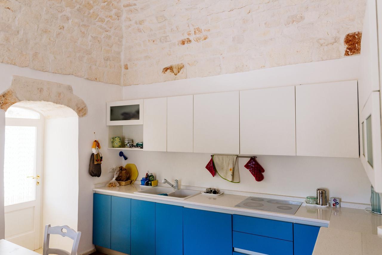 Puglia-vendita-Villa-con-Trullo-e-piscina (15)