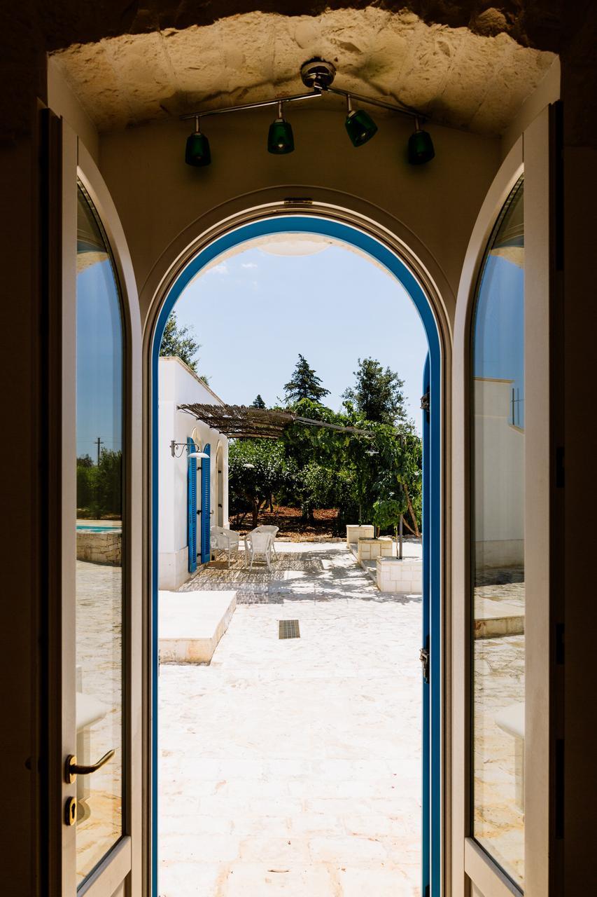 Puglia-vendita-Villa-con-Trullo-e-piscina (16)