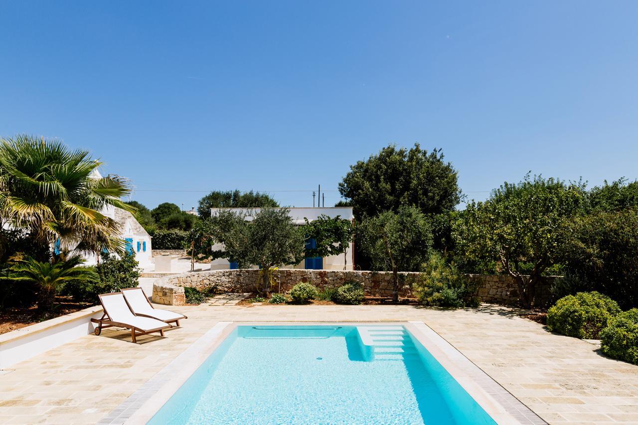 Puglia-vendita-Villa-con-Trullo-e-piscina (23)
