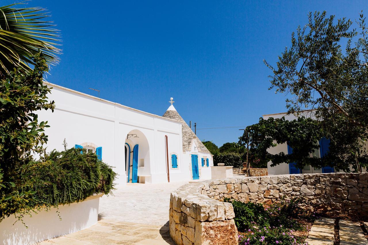 Puglia-vendita-Villa-con-Trullo-e-piscina (25)