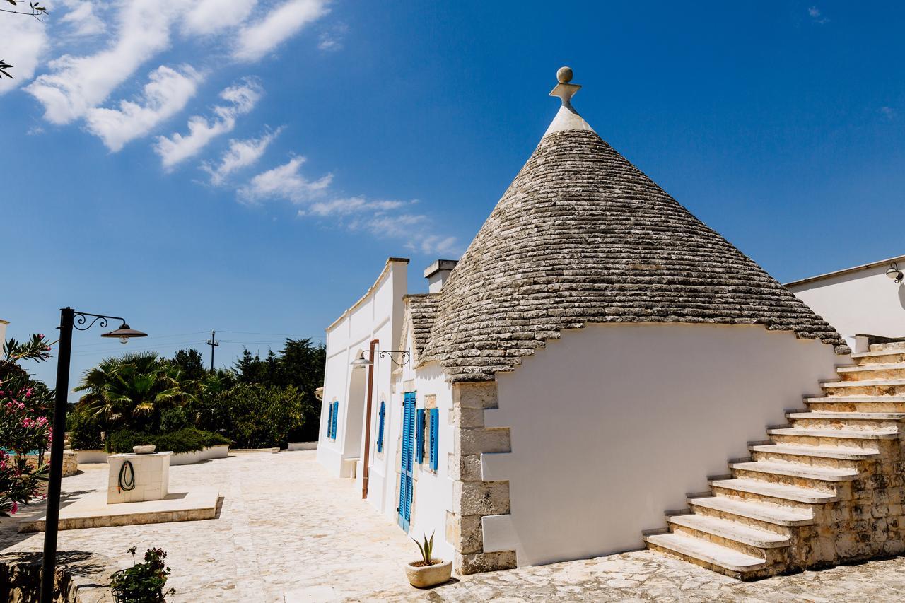 Puglia-vendita-Villa-con-Trullo-e-piscina (26)