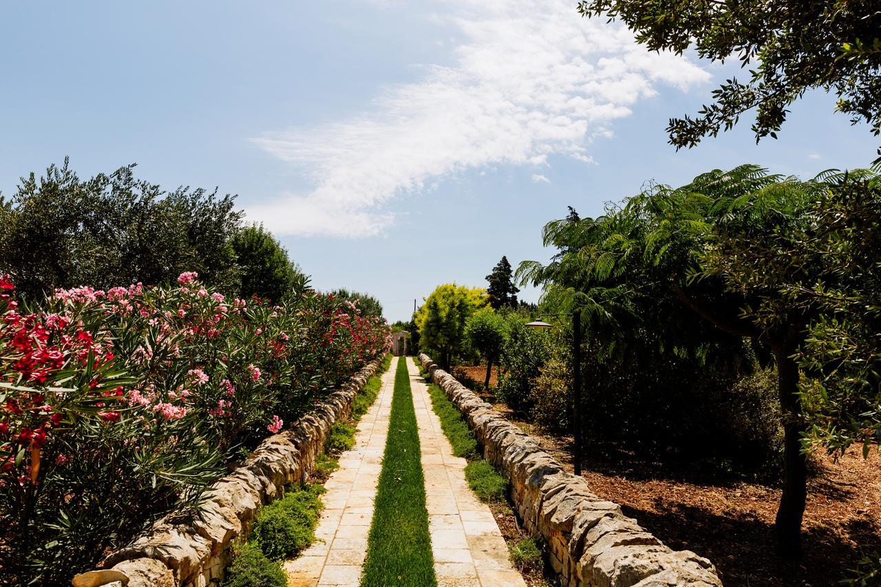 Puglia-vendita-Villa-con-Trullo-e-piscina (30)