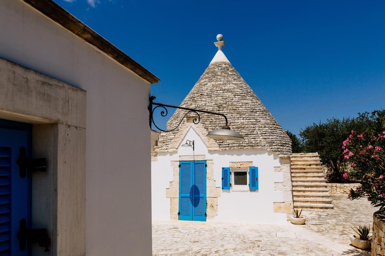Puglia-vendita-Villa-con-Trullo-e-piscina (31)